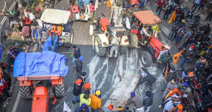 Photo of आरोपी किसान नेताओं पर कड़ी कार्यवाई का संकेत, पासपोर्ट हो सकता है जब्त