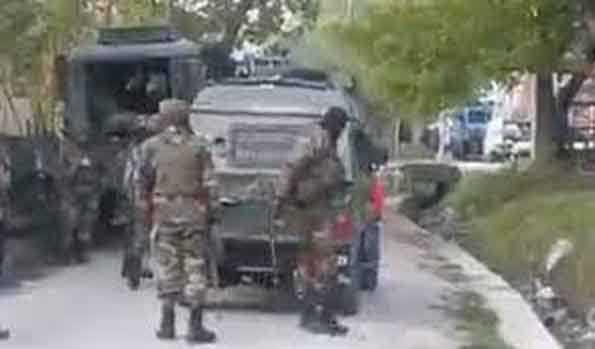 Photo of अनंतनाग में सुरक्षा बलों तथा आंतकवादियों के बीच मुठभेड़