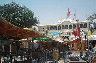 Photo of खाटूश्यामजी मंदिर के दर्शन खुले:पहले दिन ही आधा किलोमीटर लंबी लाइन लगी,