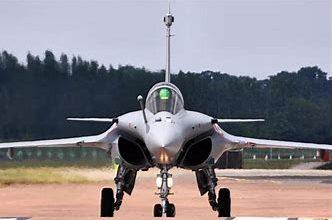 Photo of फ्रांस से 3 और लड़ाकू विमान आए, अब तक 24 पहुंचे; बंगाल के हासीमारा में होगी तैनाती
