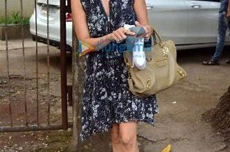 Photo of राज कुंद्रा की गिरफ्तारी के बीच सैलून पहुंचीं शमिता शेट्टी हुईं ट्रोल, यूजर ने कहा- 'फर्क नहीं पड़ता जीजू जेल में हैं'