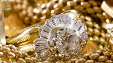 Photo of सोने-चांदी की कीमतों में बड़ी गिरावट, इतने रुपये सस्ता हुआ सोना, चेक करें