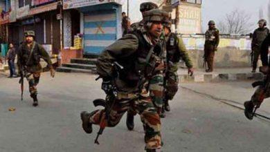 Photo of जम्मू-कश्मीर: पुलवामा में आतंकियों ने किया ग्रेनेड हमला, तीन घायल, तलाशी अभियान जारी