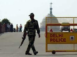 Photo of दिल्ली में आतंकी हमले का अलर्ट, बढ़ाई गई सुरक्षा