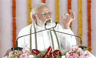 Photo of अलीगढ़ में PM ने यूनिवर्सिटी और डिफेंस कॉरिडोर की नींव और अन्य वादे