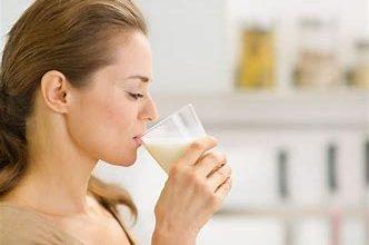 Photo of रात में दूध पीना इसलिए जरूरी:नींद न आने की शिकायत है तो गुनगुना दूध पिएं,